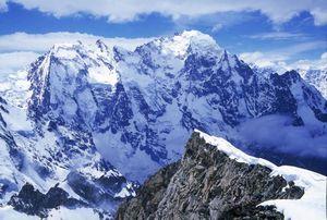 Страницы истории альпинизма: первые восхождения на Дых-Тау