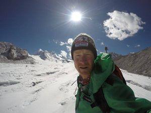 Новый скандал в Гималаях: американскому альпинисту, установившему рекорд Гиннесса, грозит штраф и аннулирование восхождений