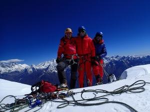 Два новых каталонских маршрута на шеститысячники Непала