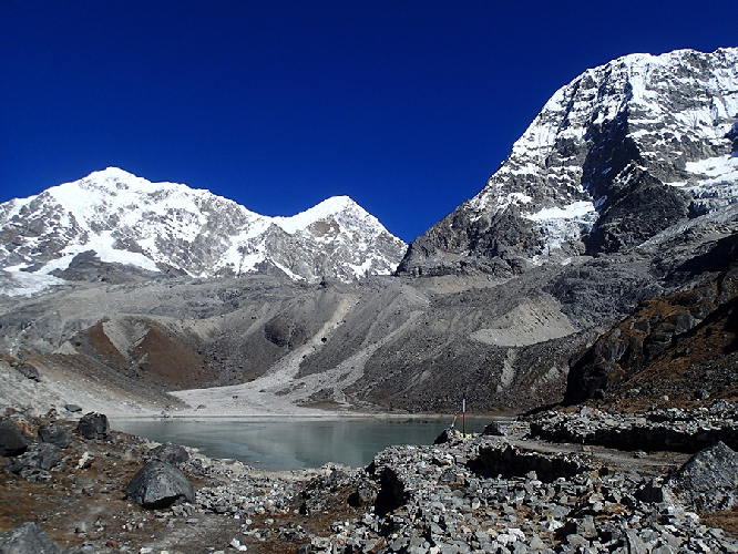 озеро Дудх Кхунда (Dudh Khunda)