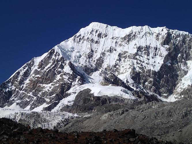 Южная стена горы Нумбур (Numbur, 6959 м.)