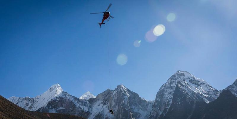 Эвакуация британского альпиниста Кириана Хилла (Ciaran Hill)