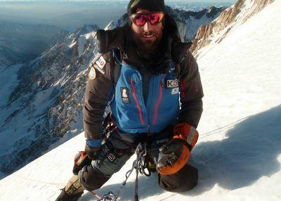 Впервые в истории: испанский альпинист Алекс Тикон идет на Эверест зимой без использования кислородных баллонов