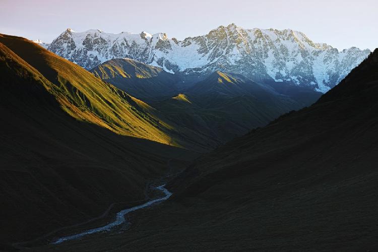 Гора Шхара в Сванети, фото Томаса Вахе (THOMAS VAHÉ)