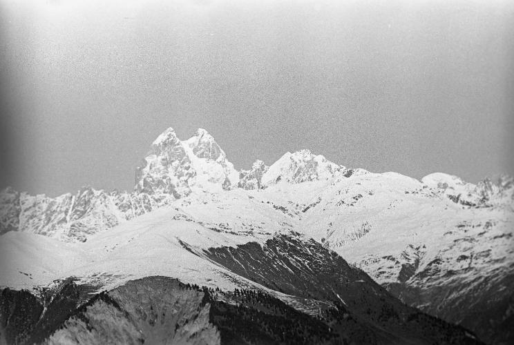 3. Ушба — высота 4 690 метров. Фото С. ОНАНОВ