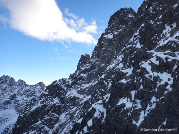 Верхняя часть контрфорса Ганка и вершинный бастион, вид с вершины Галереи Ганка. Фото — Дамиан Грановски