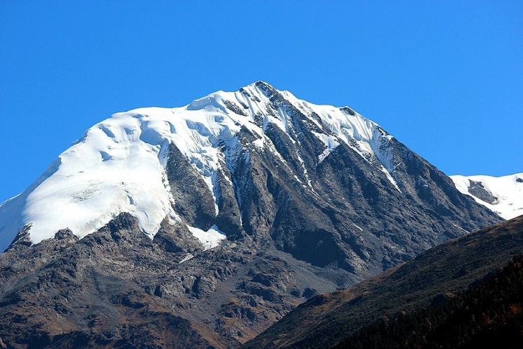 Shelika (6045 m), Южная стена, к северо-востоку от Jindong