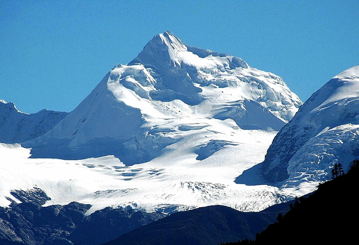 Пик высотой 6000 метров. Северо-Западная стена. массив Bobonung