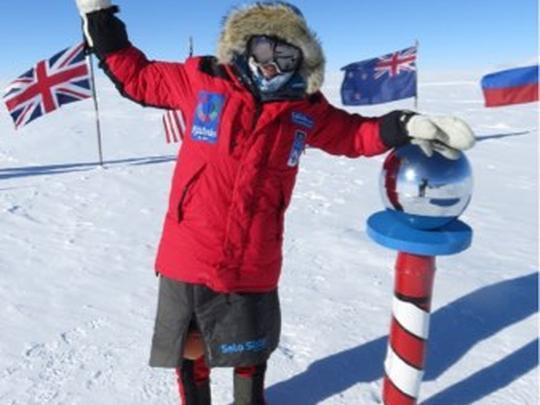 Йоханна Дэвидсон (Johanna Davidsson) на южном полюсе 24 декабря 2016 года