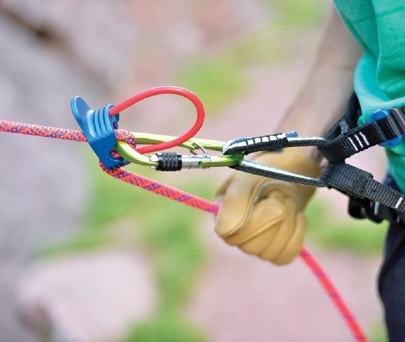 Петля для страховочного устройства на обвязке