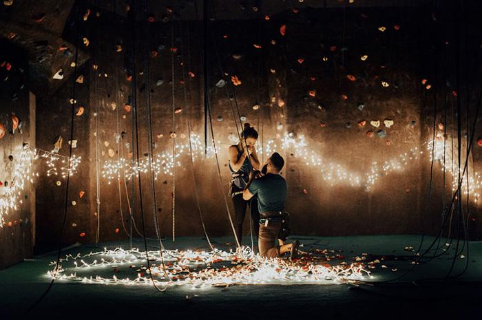 Романтичное предложение руки и сердца. Фото: India Earl.