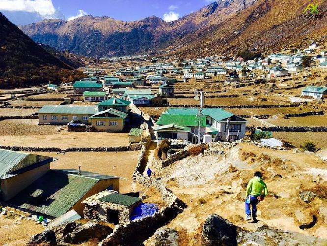 деревня Джунде в долине Кхумбу
