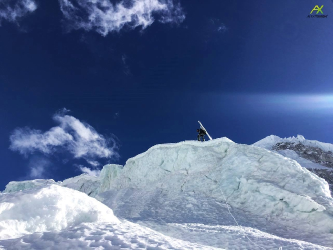 Ледопад Кхумбу зимой. Фото Алекса Тикона, январь 2017