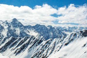 Индия снижает цены на пермиты для альпинистов на 81 вершину в Гималаях