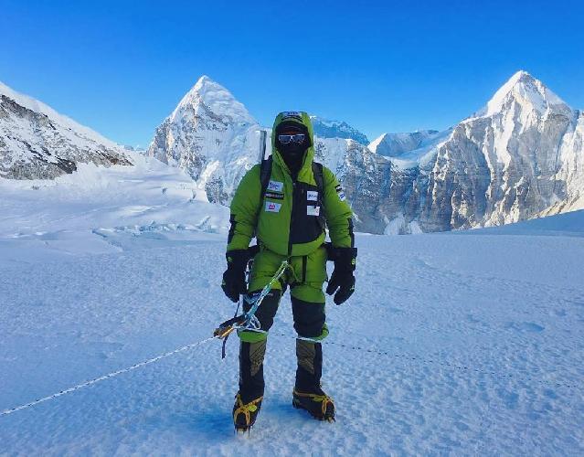 Алекс Тикон (Alex Txikon) в восхождении на Эверест. январь 2017