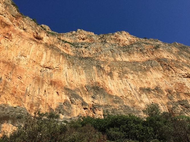 "Мультипитч ""Odessa""  на горе Red Wall в окрестностях Леонидио, Греция"