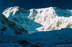 Второй раз в истории альпинизма: совершено зимнее восхождение на вершину пика Победы