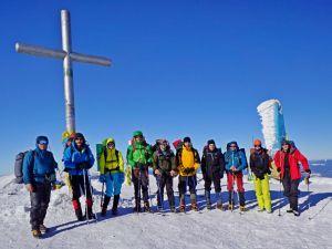 Федерация альпинизма и скалолазания Украины подготовила 9 инструкторов по альпинизму