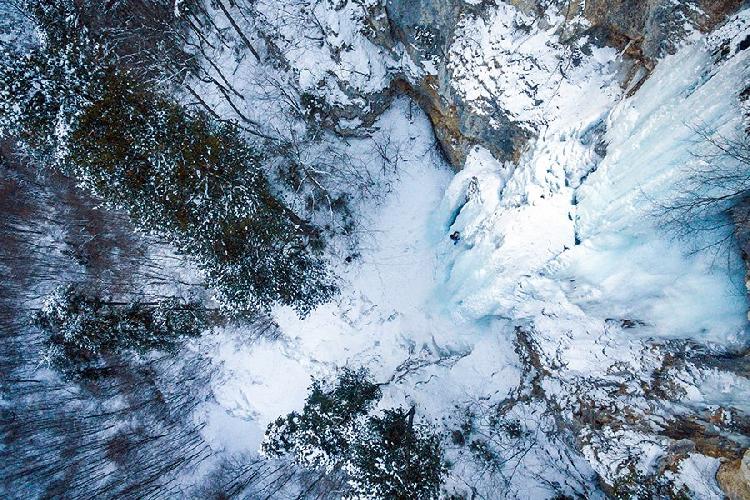Mali zec (WI 4, 150m) в Tara Canyon. фото: Ilija Perić