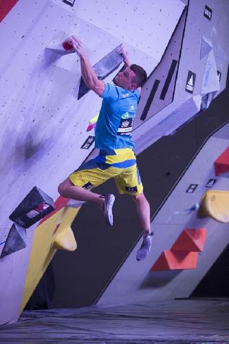 Джерней Крудер (Jernej Kruder) на соревнованиях по боулдерингу