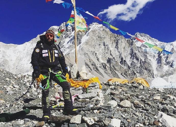 Алекс Тикон в базовом лагере Эвереста. 16 февраля 2017 года