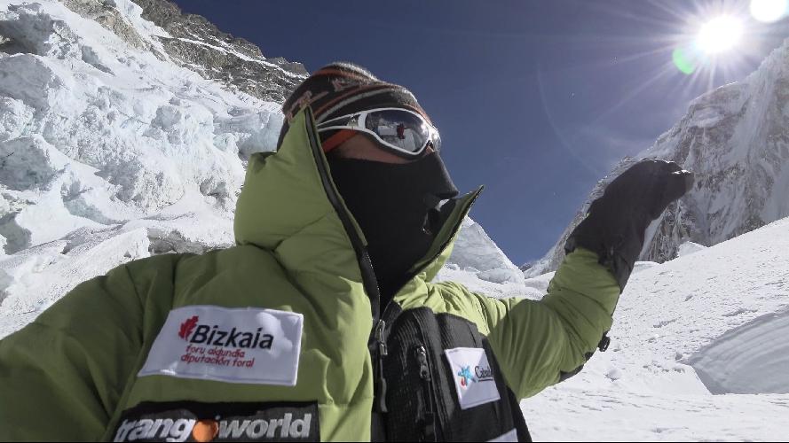 Алекс Тикон у третьего высотного лагеря Эвереста. 14 февраля 2017 года