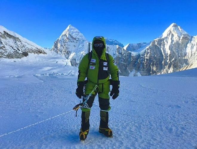 Алекс Тикон (Alex Txikon) у Эвереста, 2017