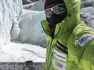 Зимой на Эверест: Борьба продолжается