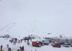 На Французском горнолыжном курорте в лавину попали 30 человек