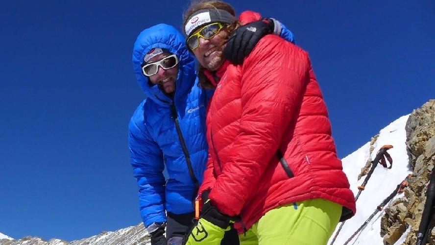 Энди Хольцер (Andy Holzer) в акклиматизационном выходе на вершину 6020 метров. Непал, 2015 год