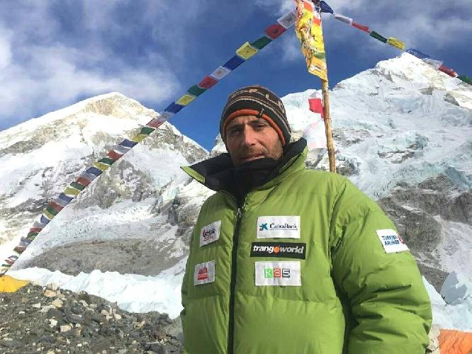 Алекс Тикон в базовом лагере Эвереста, март 2016 года