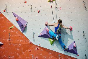 Скалолазка из Днепра Евгения Казбекова выиграла еще одни скалолазные соревнования в Польше