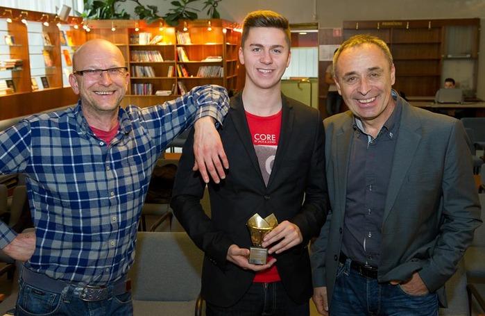 Игор Вртачник (слева), Томаш Хумар-младший и Сильво Каро