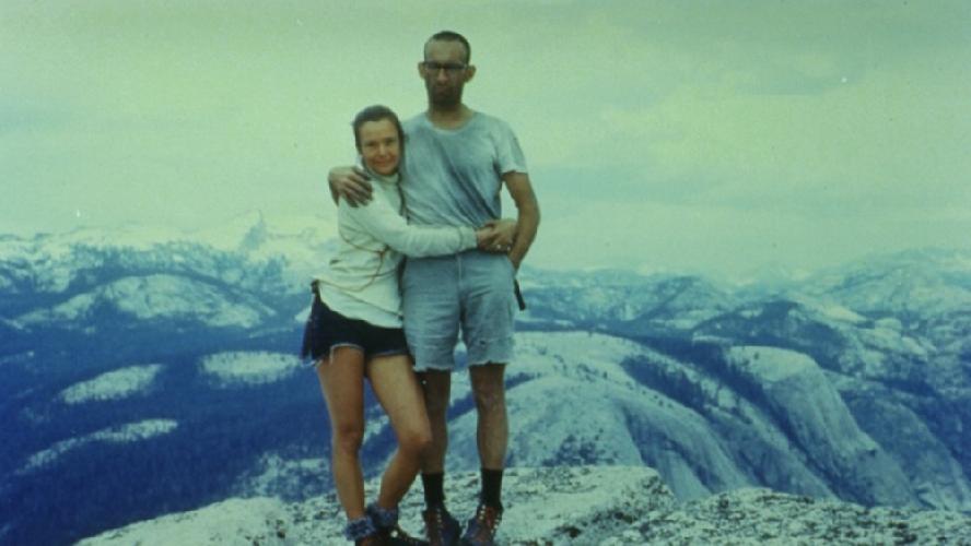 Ройял Роббинс (Royal Robbins) со своей женой Лиз на вершине Хаф-Доум