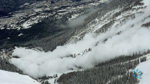 Самую большую за последние 11 лет лавину спустили в Швейцарии