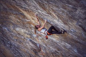 Джулия Шанорди стала 13 женщиной в мире, которая прошла скальную сложность 9а!
