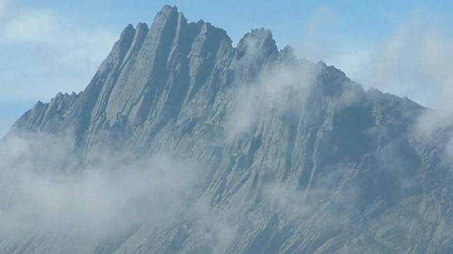 "Пик ""Пирамида Карстенз"" (Пунчак-Джая / Puncak Jaya, 4884 м)"