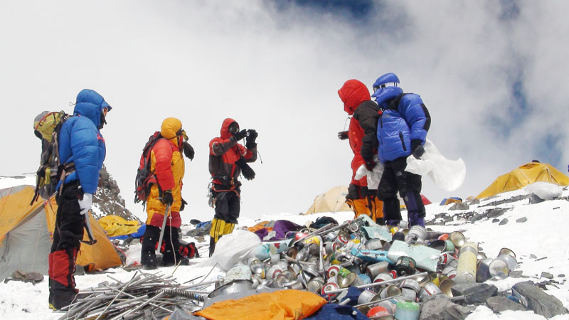 На Эвересте проведут масштабную уборку мусора - 4sport.ua