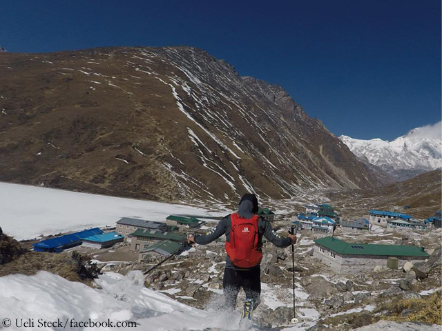 Ули Штек (Ueli Steck) в акклиматизационной пробежке в долине Кхумбу