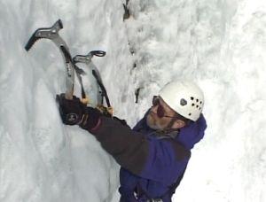 Американский скалолаз в 82 года прошел ледолазный маршрут