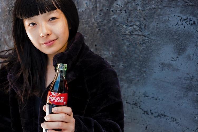 """Ашима Шираиши (Ashima Shiraishi) подписала контракт со своим новым спонсором - компанией """"Coca-Cola""""!"""