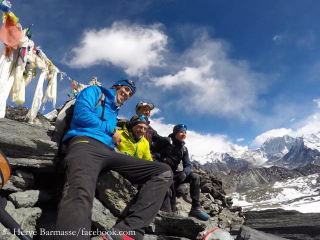 Эрве Бармассе (Hervé Barmasse), Дэвид Геттлер (David Göttler), Ули Штек (Ueli Steck), Тенжи Шерпа (Tenji Sherpa) в долине Кхумбу, февраль 2017