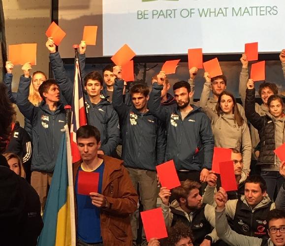 Красная карточка для Федерации спортивного скалолазания: в поддержку петиции отмены платных показов трансляций соревнований