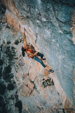 Ализе Дюфрес стала 14-й женщиной в мире, которая прошла скалолазную сложность 9а