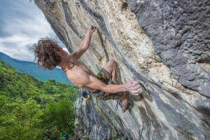 Адам Ондра открывает первый на скалах итальянского Арко маршрут сложности 9b
