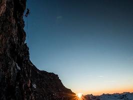 Дани Арнольд (Dani Arnold), Александр Хубер (Alex Huber),Томас Сенф (Thomas Senf) на маршруте Schweizernase на Северной стене Маттерхорна
