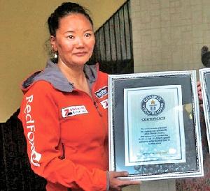 За новым женским мировым рекордом на Эвересте: Лакпа Шерпа планирует подняться на вершину мира в восьмой раз!