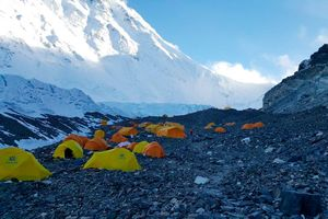 Экспедиция Валентина Сипавина на Эверест: восхождение к передовому базовому лагерю на отметке 6400 метров