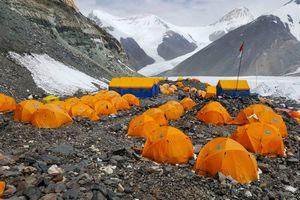 Экспедиция Валентина Сипавина на Эверест: ночевка на 6400 метров