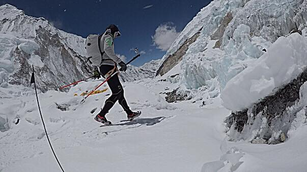 Последнее фото Ули Штека 26 апреля 2017 года. В такой экипировке Ули совершил забег на высоту 7000 метров на Эвересте!